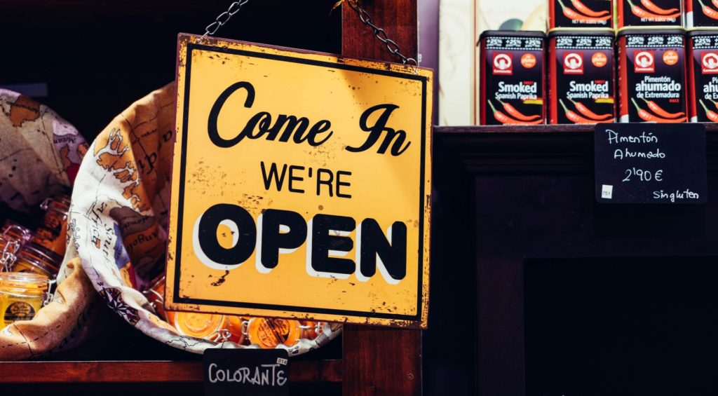 Por un 2021 de negocios abiertos